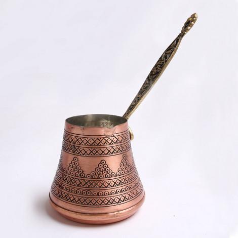 Rokām darināta turku kafijas kanniņa